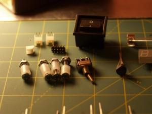 Interruptores, conectores y tornillería